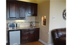 Lakehouse rental mini kitchen