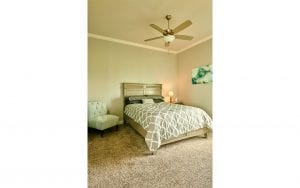 Picture of lakehouse rental bedroom